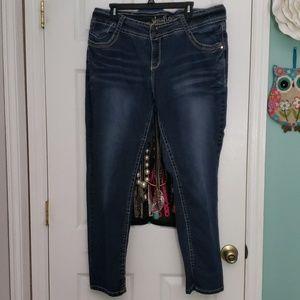 Wallflower size 22 skinny jeans